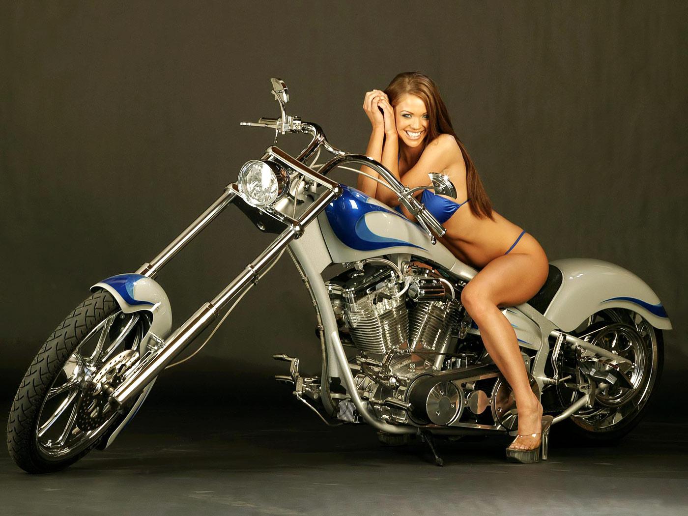 Girls On Harley-Davidson Motorcycles 1400 x 1050 · 261 kB · jpeg